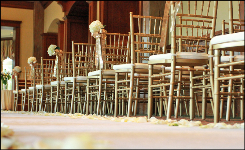 Wedding Chair Rentals Pros and Cons + Useful Tips