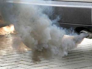 Una mayoría del Parlamento Europeo da a los fabricantes de coches licencia para contaminar más