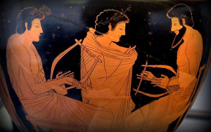 Στη διάρκεια των προϊστορικών χρόνων υπήρχαν μουσικά όργανα και μουσική.