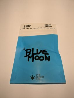 Blue Moon di The Secret Pot