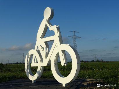 Beeld fietser Aduarder Voorwerk