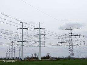 Bouw nieuwe stroomnetwerk (Den Horn), hoogspanningsmasten