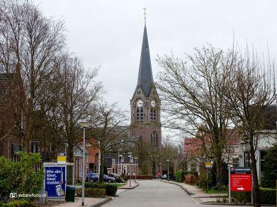 Kloosterburen zicht op Sint-Willibrorduskerk