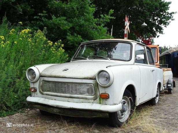 Trabant met aanhangwagen (Beekbergen)