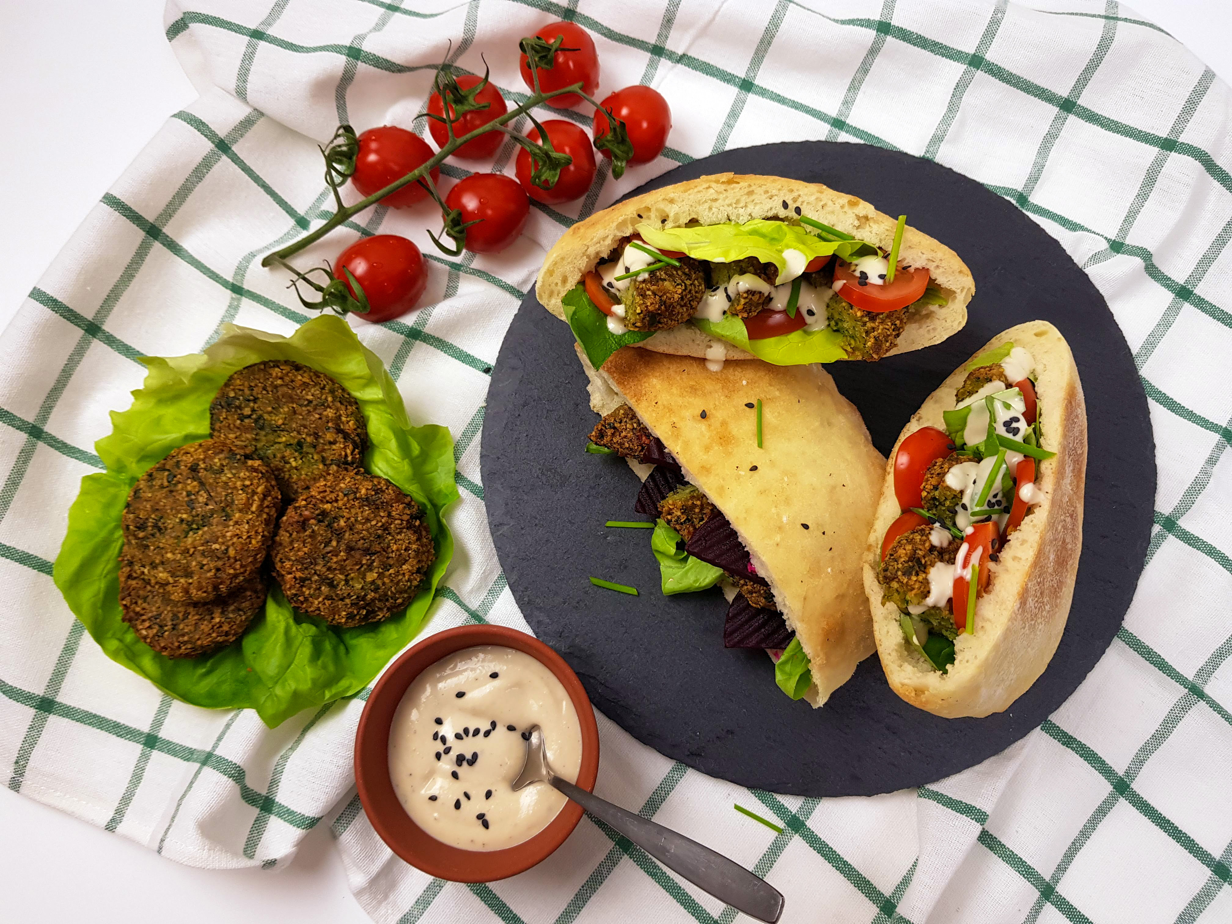 lipii umplute cu falafel