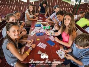Kézműves foglalkozás Illatzsák készítése Erdei iskola
