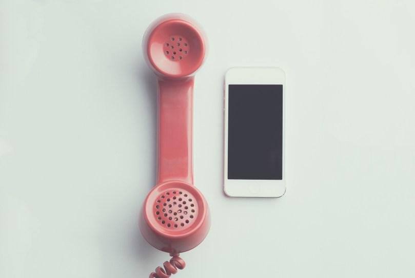 digitalis-takaritas-2-telefon-facebook-email-2