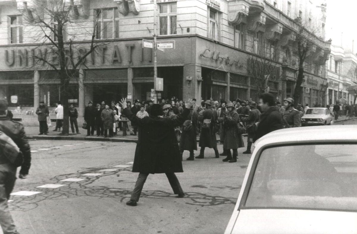 """""""Azt tudjuk, hogy mi lesz, csak azt nem tudjuk, hogy addig mi lesz""""− 1989 –es decemberi események Kolozsváron"""