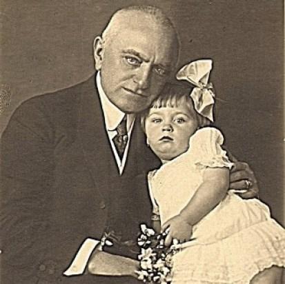 Bernády és kislánya 1921 körül