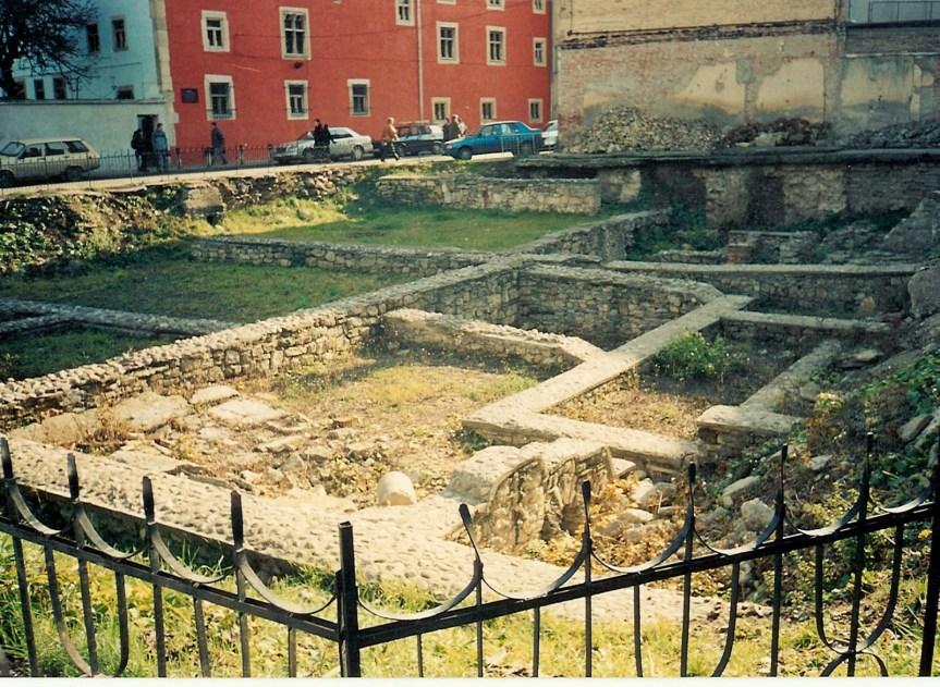 A Deleu (Ferencesek utcája) utcai városi domus (villa) ásatása (wikicommons)
