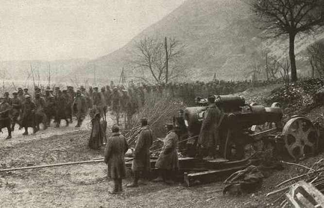 Austrian_30.5_cm_artillery_and_Rumanian_prisoners