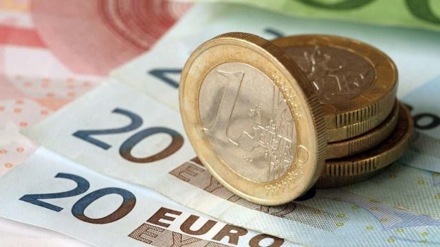 Прибыль латвийских банков падает
