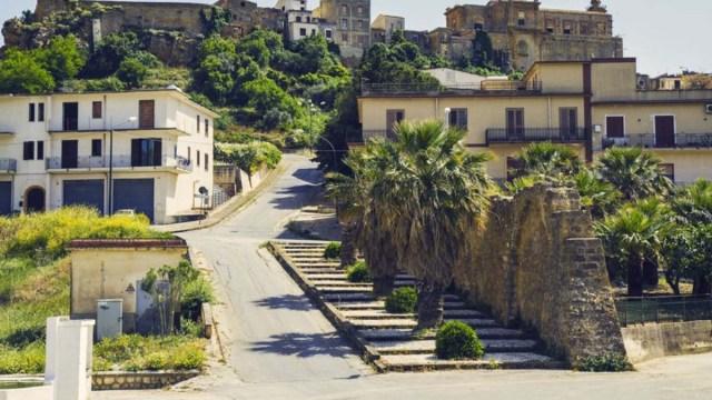 Продаются дома на Сицилии за 2 евро