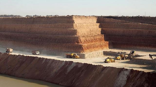 В Украине продается крупнейший производитель титановой руды