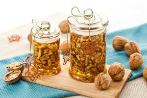 Hunaja ja saksanpähkinät - lisää miesten tehoa kansanmenetelmillä