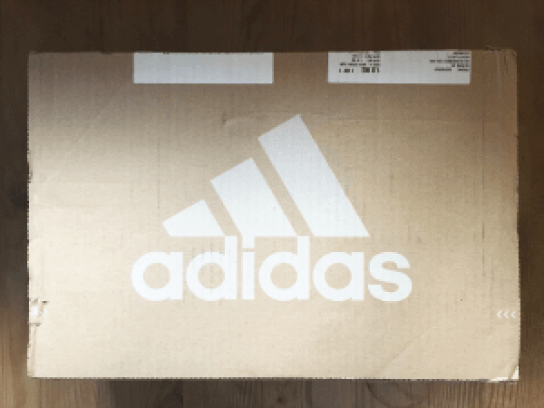 caja-de-carton-adidas