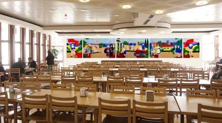 אליהו אריק בוקובזה – הדמיית תליית הציורים בחדר האוכל של הקיבוץ