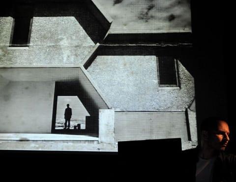 מתוך: הרצאה על ארכיטקטורה - אהד פישוף וצבי אלחייני