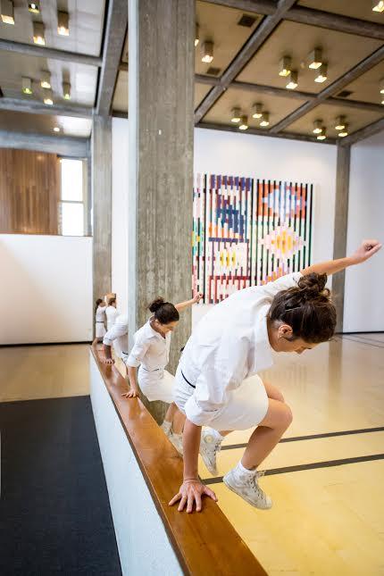 """תנועה-ציבורית, """"אוסף לאומי"""", מוזיאון תל-אביב לאמנות. צילום: כפיר בולוטין"""