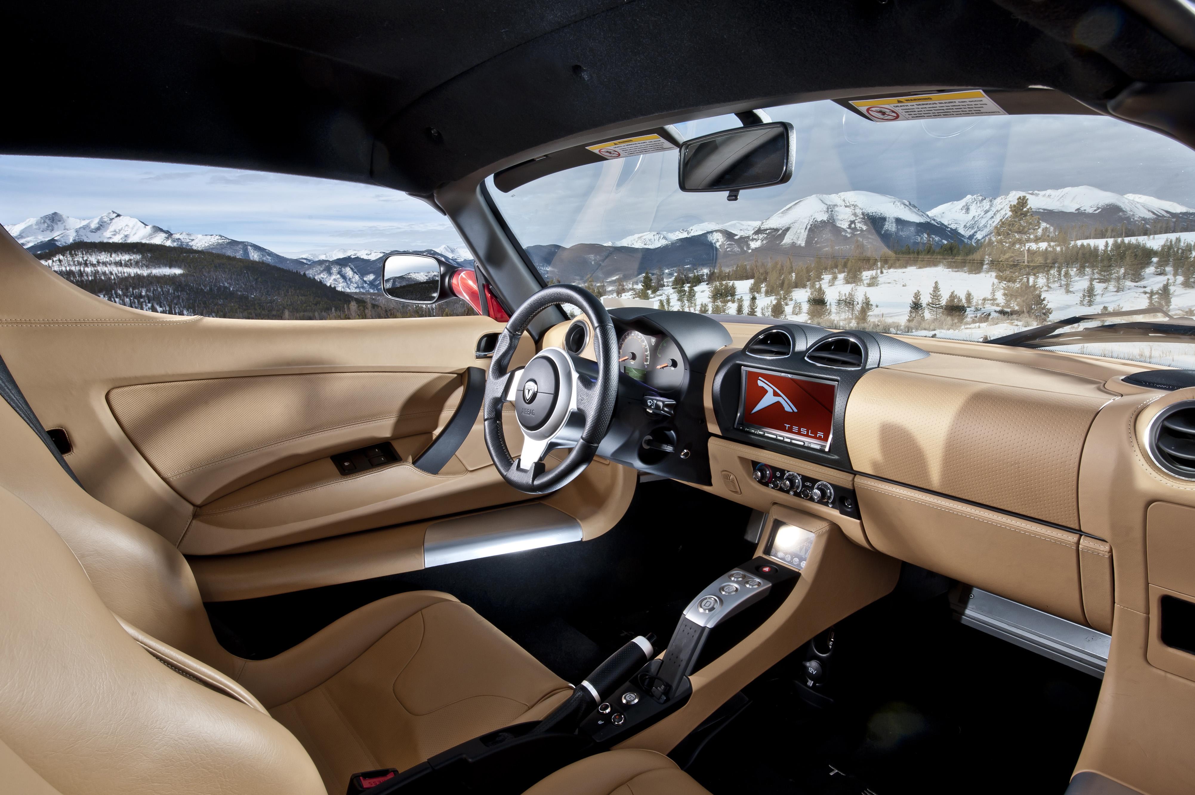 Tesla_Roadster_Interior_beige