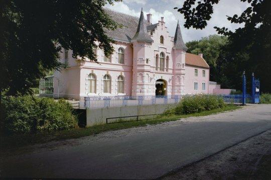 Het Roze Kasteel op Landgoed Steenenburg, het voormalige Land van Ooit