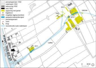 Reconstructie van de loop van de beschoeide geul van de 'Leitha' rond 800 na Chr. op basis van diverse opgravingen, gecombineerd met de kaart van Leiderdorp in 1832. Copyright UvA.