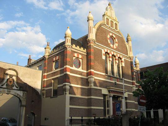 Grote synagoge aan de Golstraat in Deventer