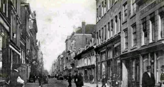De Oude Binnenweg in Rotterdam in 1910