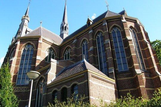De Clemenskerk in Waalwijk staat te koop voor 250.000 euro