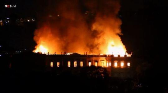 De brand in het Nationale Museum van Brazilië in Rio de Janeiro