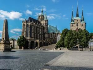 Erfurter Domplatz mit Dom und St. Severi