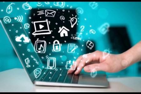 pocitac-internet-online-komunikace-technologie