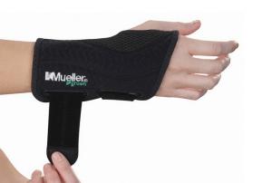 wrist pain wrist brace - Mueller Fitted Right Wrist support brace