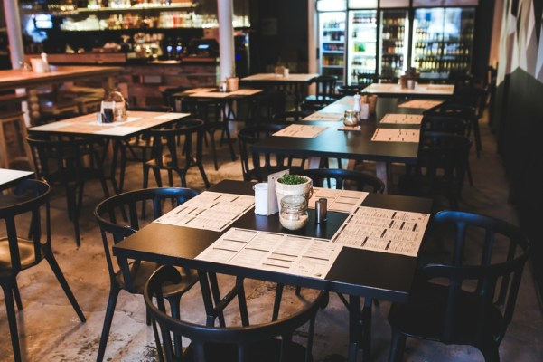 Ergonomics For Restaurant Employees Carrying Trays and Items
