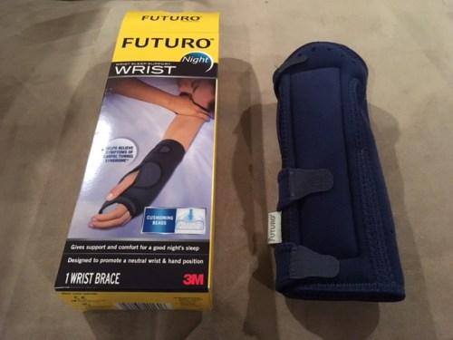 futuro-night-wrist-sleep-support
