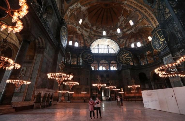 Η Αγία Σοφία γίνεται τζαμί – Έντονες αντιδράσεις διεθνώς για την απόφαση Ερντογάν