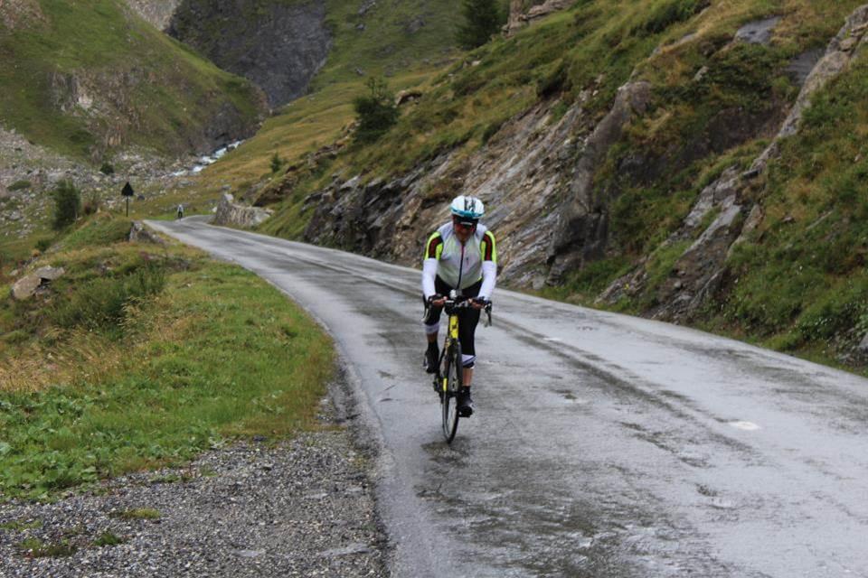 Un cycliste trempé