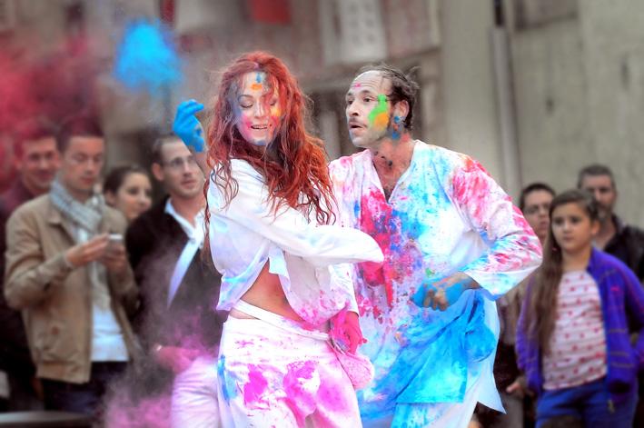 Fête des couleurs : Artonik lance la saison culturelle puissance 4 à Niort.