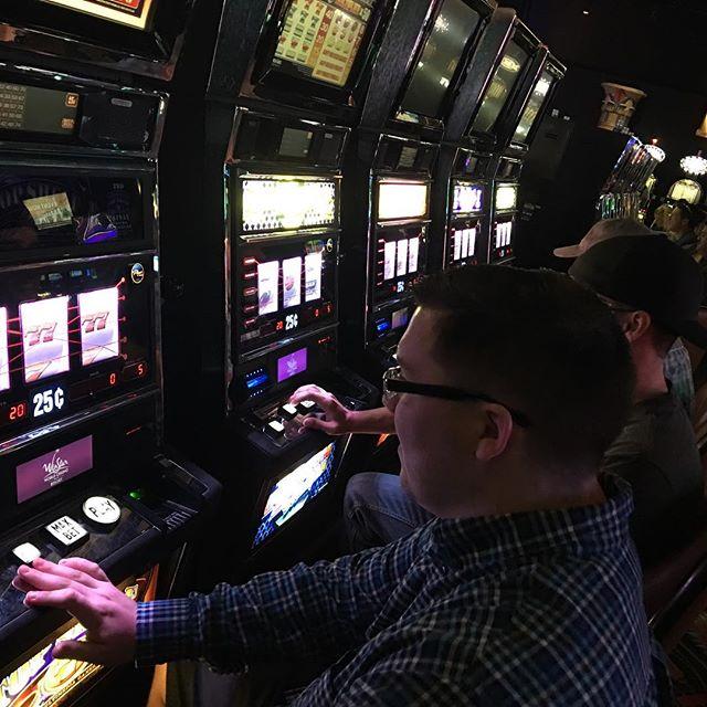 Justin, and @gymshortmechanic behind him, playing slots