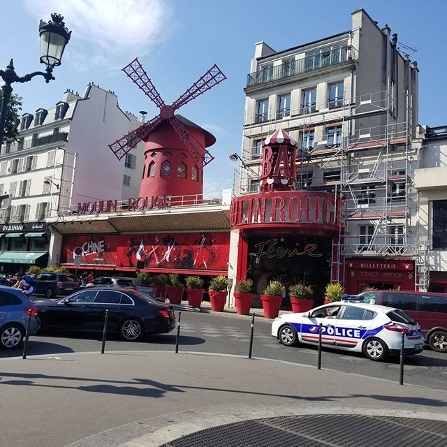 Stopped by Moulin Rouge with Sara today