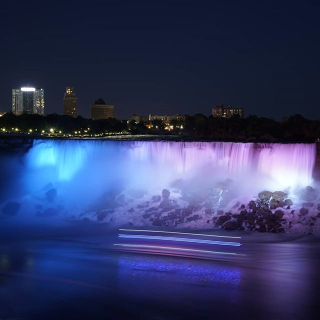 Sara, the kids, and I went to the Canadian side of Niagara Falls tonight.