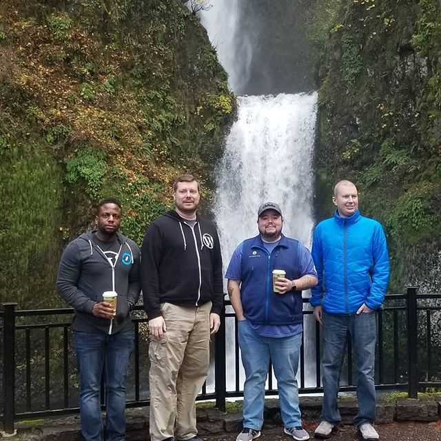 Most of the Jetpack Partners team at Multnomah Falls. Elio was further up getting photos. 😀