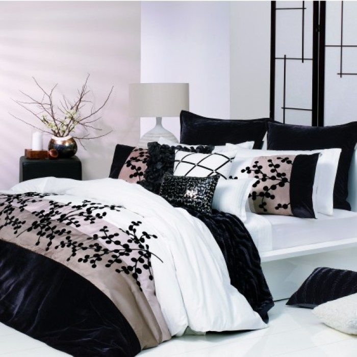 Acacia Black Quilt Cover Set by Ultima