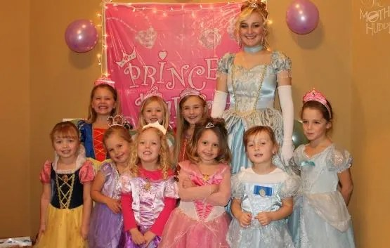 Best Birthday Six Ideas for an Adorable Disney Princess Day 1