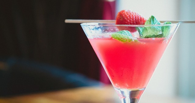Cheers to Romance! Valentine's Day Cocktails and Wines You'll Love