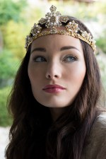 VICTORIOUS FILIGREE JEWELED WEDDING CROWN