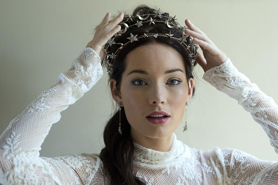 https://ericaelizabeth.com/product/constellation-1920s-starburst-wedding-crown/