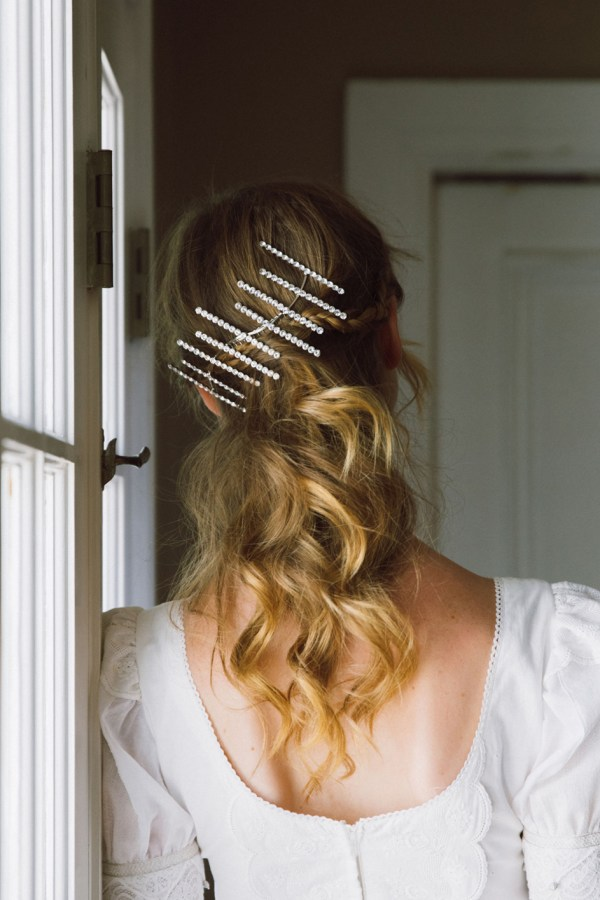 DECO DELIGHT LINE OF CRYSTAL HAIR COMB