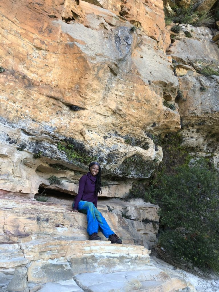 wellness blogger Erica Rascon hikes Wentworth Falls, NSW Undercliff track in Australia