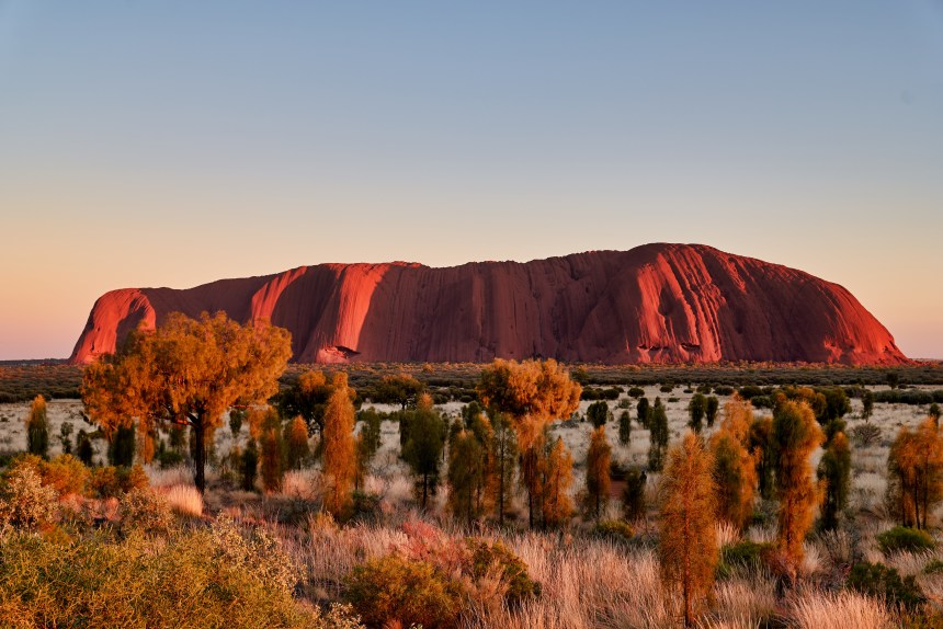 Sunset at Uluru and other travel tips from fitness travel blogger Erica Rascon